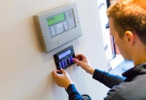burglar alarm service engineer